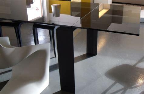tavoli design occasioni tavolo desalto stilt rettangolari allungabili vetro design