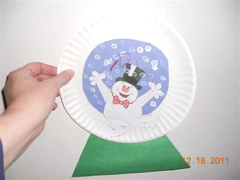 Snow Globe Paper Craft - paper plate snow globe to the rescue