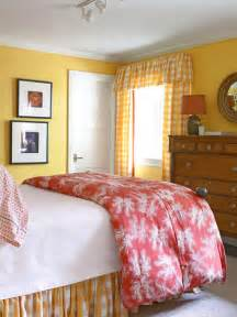 Decorating Ideas Yellow Bedroom Kanes Furniture 2011 Bedroom Decorating Ideas With Yellow