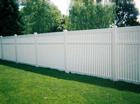ideas choosing the right backyard fences for your home