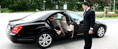 local limo service luxury style comfort in fast limo car service