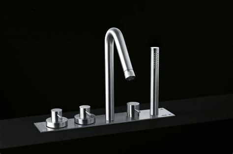 rubinetti boffi minimal rubinetto per vasca by boffi design giulio gianturco