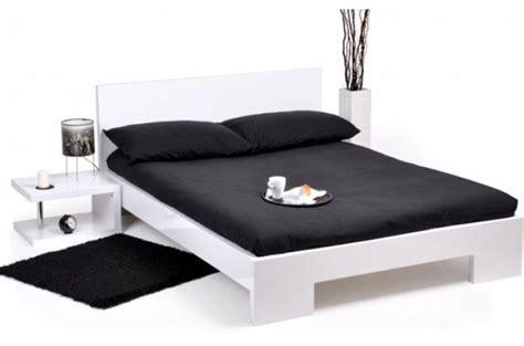 Lit 140x190 Blanc by Lit 140x190 Cm Laqu 233 Blanc Sans Sommier Lit Design Pas Cher
