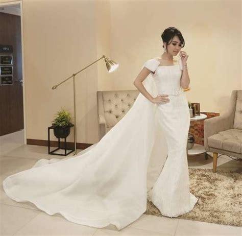 ayu ting ting jadi model busana ivan gunawan intens 8 pakai gaun sama pilih ayu ting ting atau puteri indonesia