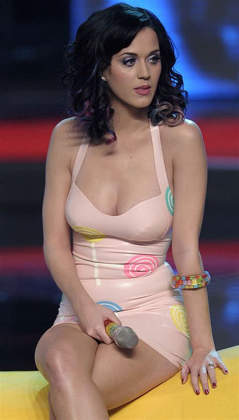 katy perry imagenes hot do you think katy perry is hot random sles the
