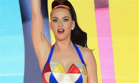 katy perry pin up tattoo katy perry got a super bowl tattoo after her insane