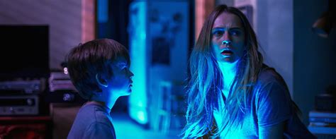 lights out review summary 2016 roger ebert