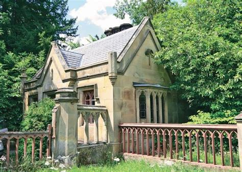 romantic holiday cottage in welshpool pets welcome