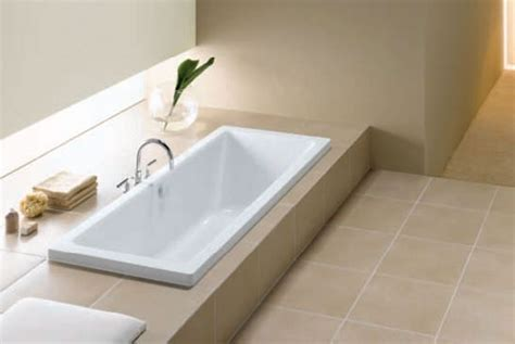 vasca da bagno incassata misure dei sanitari sospesi per disabili e quelli salvaspazio