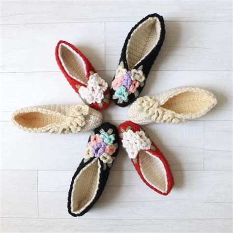 pattern for house slippers vintage floral slippers crochet pattern maggie s crochet