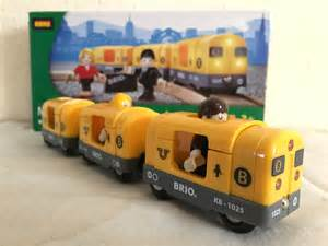 brio railway brio wooden railway bri 33507 metro train unbox 01988
