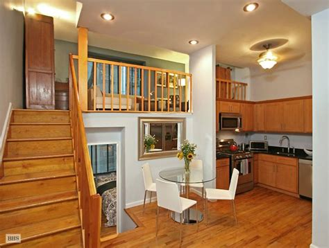 apartment bright  fantastically located split level