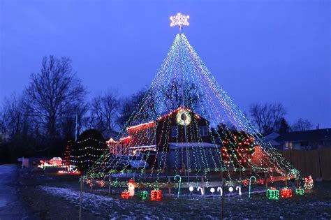 jim olin s lakeland home voted best holiday light display