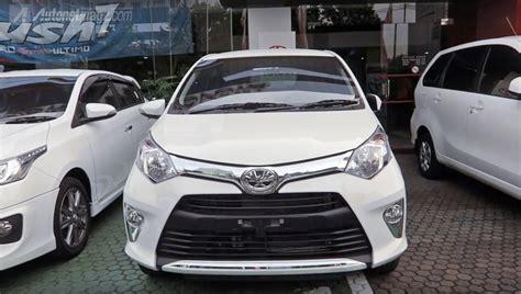 Toyota Cayla Silver Peredam Kap Mesin toyota calya dipamerkan di bilik pameran di indonesia sebelum dilancarkan 1 2 liter dual vvt i