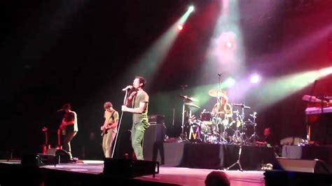 maroon 5 live maroon 5 live in bangkok 2012 quot payphone make me wonder