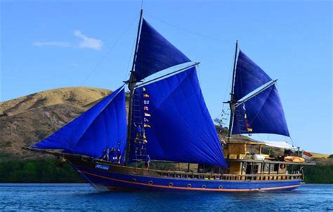 moana boat bali indonesia under sail