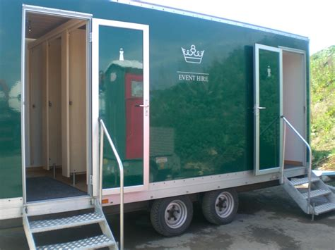 portable toilet facilities luxury toilet hire luxury shower hiretelford shropshire