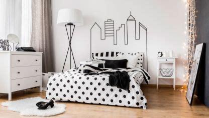 como decorar mi cuarto en blanco y negro ideas para decorar el ba 241 o en color negro hogarmania