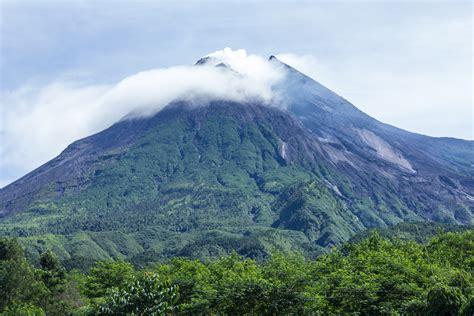 gunung merapi wikiwand