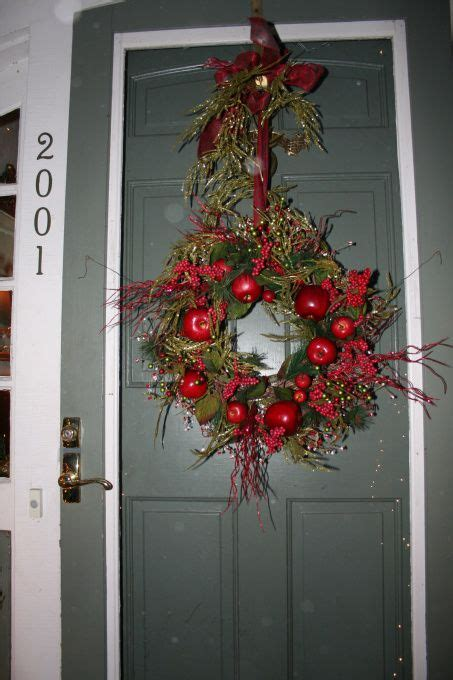 colonial christmas decorating idea holiday christmas