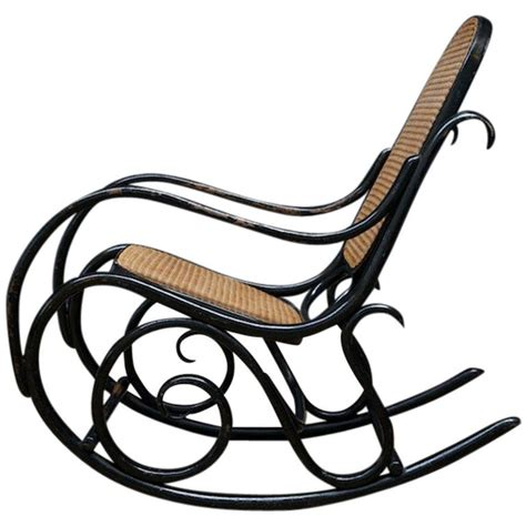 sedia a dondolo thonet sedie a dondolo thonet arredativo design magazine