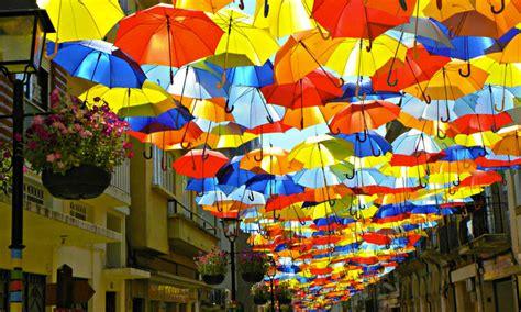 umbrella biography in hindi des centaines de parapluies multicolores en l 233 vitation 224