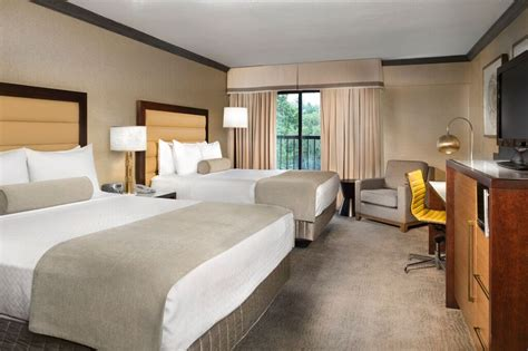 plaza hotel rooms guest rooms asheville crowne plaza