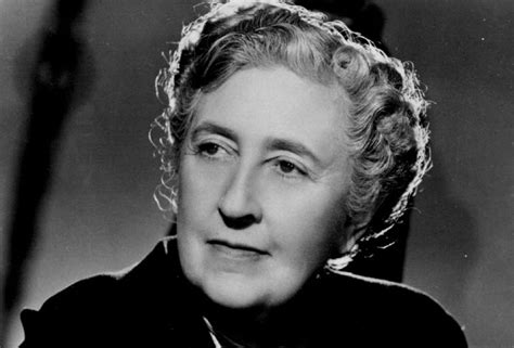 agatha christie biography text maze review agatha christie a mysterious life by laura