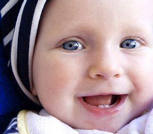 wann erster wachstumsschub baby der erste zahn was tun wenn das zahnt