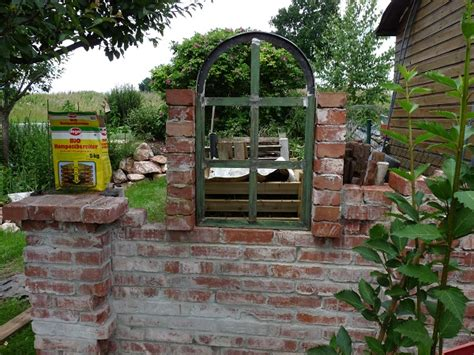 ruinenmauer mit fenster ruinenmauer mit fenster ruinenmauer mit fenster