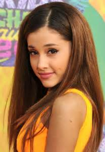 whats up with ariana grandes hair all the times ariana grande didn t wear a ponytail glamour