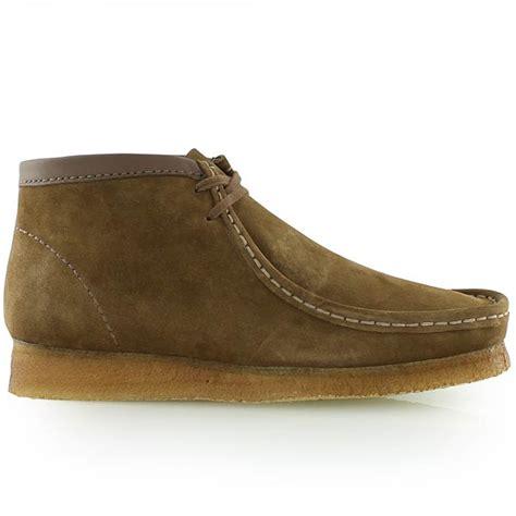wallabee boots clarks wallabee boot walnut bei kickz