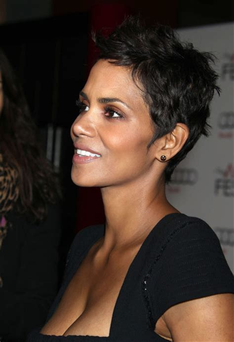 holly berry hairstyles in 1980 more pics of halle berry pixie 8 of 20 pixie lookbook