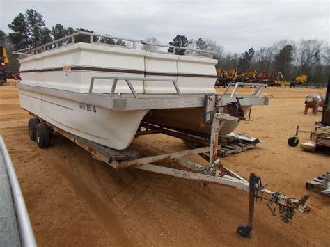 boat terms skipper 20 skipper craft pontoon boat w 80hp mercury outboard
