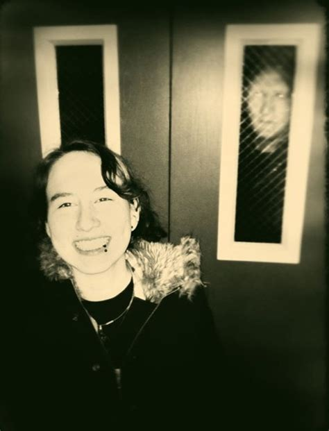 15 of the creepiest photos of all time with bone chilling 28 scariest photobombs of all time