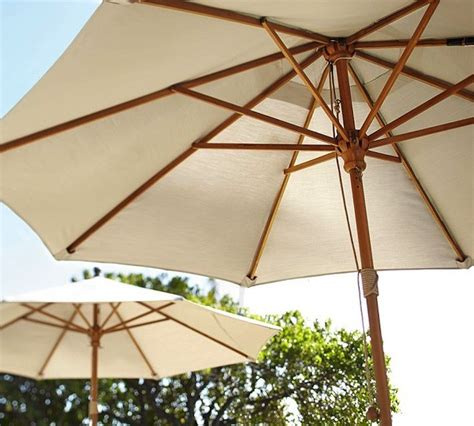 Pottery Barn Patio Umbrella 10 Easy Pieces Outdoor Umbrellas Remodelista