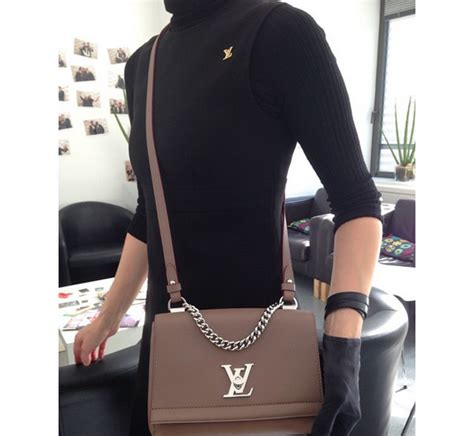 Tas Selempang Lv Lock Me 2 Ii Bb Leather Top Chain Handle Import louis vuitton lockme ii bb bag reference guide spotted fashion