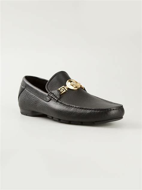 versace slippers medusa versace medusa slippers in black for lyst