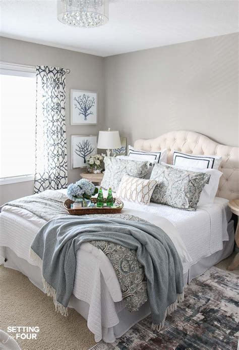 this cozy bedroom ideas for small rooms will make it feel 12 ways to create a cozy guest bedroom your company will 556 | cozy guest bedroom decor