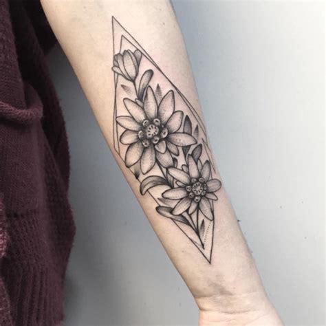 flower pattern tattoo tumblr fotomontaje dentro de pictures to pin on pinterest