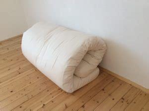 futon schlafen auf einem futon schlafen futon statt bett achtsame
