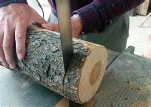 il coupe une b 251 che de bois en tranches et regardez ce qu