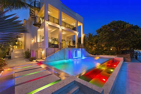 lebron james miami house lebron james selling his miami mansion for 17 million extravaganzi