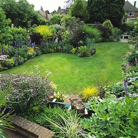 formal cottage garden ideas 25 best ideas about cottage garden design on