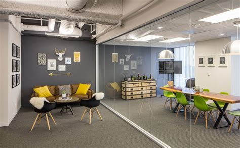 How High To Hang A Picture On A Wall by Spaces We Love Taphunter S Swoon Worthy San Diego Hq