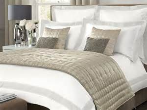 Bed Throws Bed Throws In Dubai Amp Across Uae Call 0566 00 9626