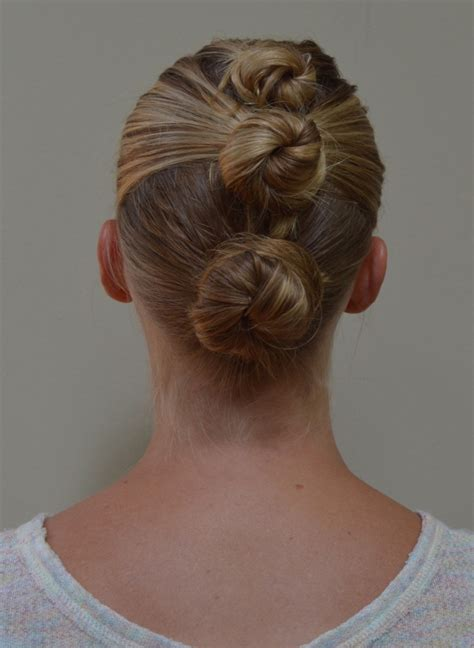 3 mohawk buns 6 dos for wet hair a little bit of blonde on site