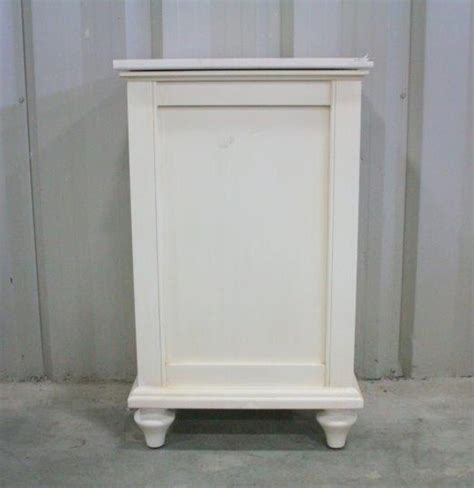 White Wooden Clothes Her With Lid Ebth Wooden Laundry With Lid