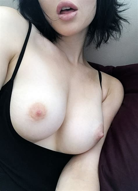 Hot Asian Badbrokenbunny Lepoilu