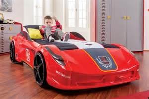 Bien Couleur Chambre Bebe Fille #7: lit-voiture-but-lit-voiture-garcon-lit-gar%C3%A7on-voiture-lit-voiture-fille-rouge.jpg